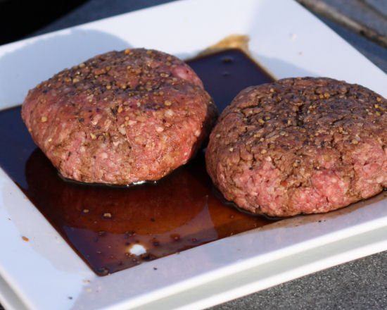 Cheese stuffed cheeseburgers - Grilling24x7