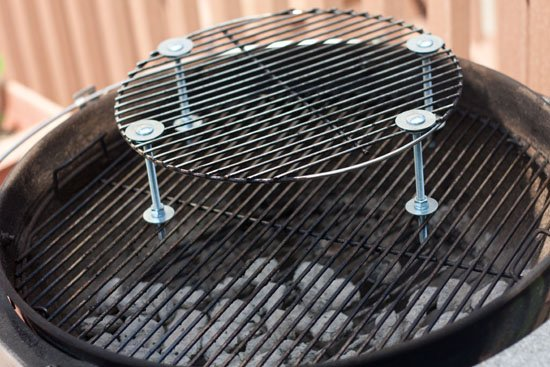 Adding an extra grate to a grill or smoker for more grilling room