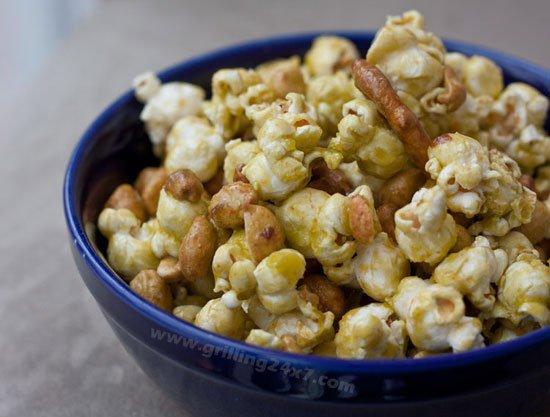 Spicy sriracha crunch mix