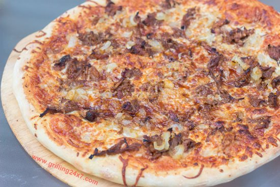 BBQ Pulled Pork Pizza - Grilling24x7.com